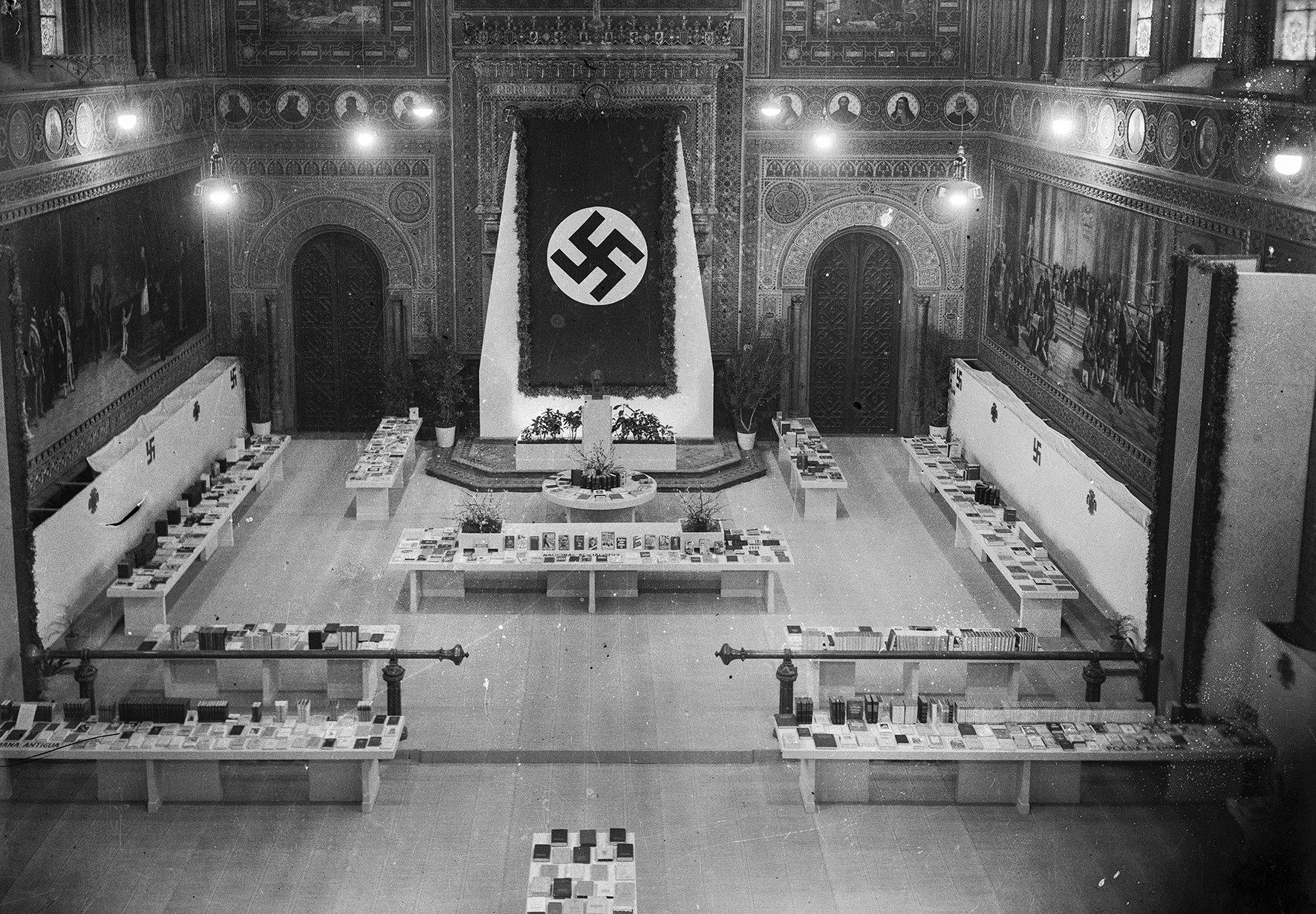 paranimf Univ Barcelona nazis Col·lecció Merletti  IEFC