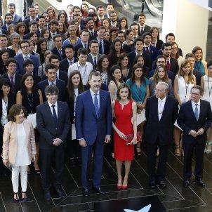 Beques La Caixa Puigdemont Faine Rei Felip VI Letizia Santamaria - Sergi Alcàzar
