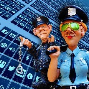 xarxes socials vigilancia pixabay