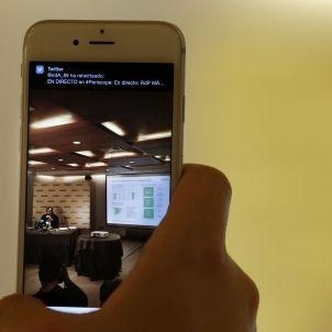 Xarxes socials mòbil / EFE