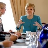 sturgeon membres govern escoces efe