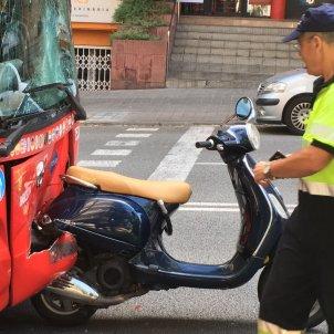 moto bus turístic víctor costa