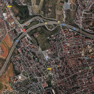 c 32 alella google maps