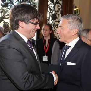 Puigdemont consol Israel