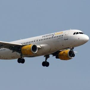 Airbus A320 216 Vueling EC KDX Curimedia