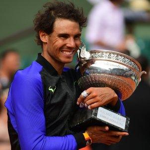 Rafa Nadal Roland Garros final trofeu   EFE