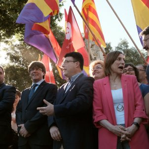 Mesa Parlament Nuet Puigdemont Forcadell Domenech - Sergi Alcàzar