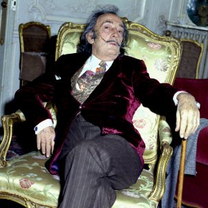Salvador Dali in chair Allan Warren