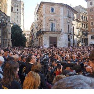 La tragèdia del Metro de València. Concentració familiars víctimes a la Plaça de la Seu