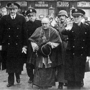 Mor Pla i Deniel. El cardenal amb els caps del regim franquista. Toledo, 1940. Font Wikimedia
