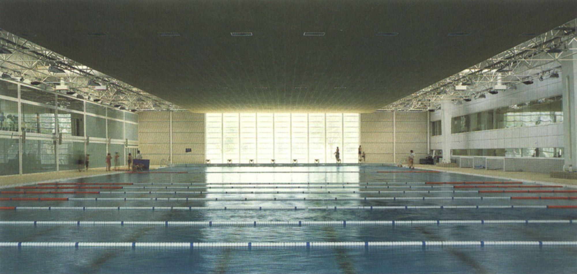 Picornell una piscina nudista a tiempo parcial for Piscines picornell