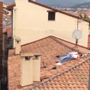 Sexo en un tejado por las fiestas de San Fermín / Youtube