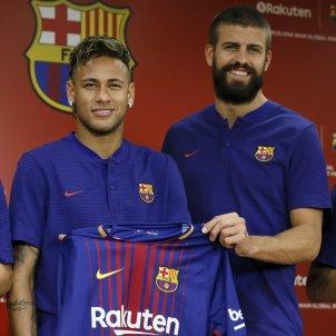Barça presentació Rakuten Japo Arda Turan pique Messi Neymar   EFE