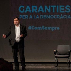 Oriol Junqueras i  Irene Rigau participen en un acte de l' ANC sobre les garanties del referèndum al teatre de Sarrià, Laura Gómez