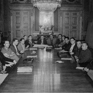 El president Companys crea l'Exercit Popular Català. Reunió del Comité a l'Escola Nàutica. Font Enciclopèdia