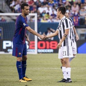 Sergio Busquets Paulo Dybala Juventus Barça pretemporada   EFE