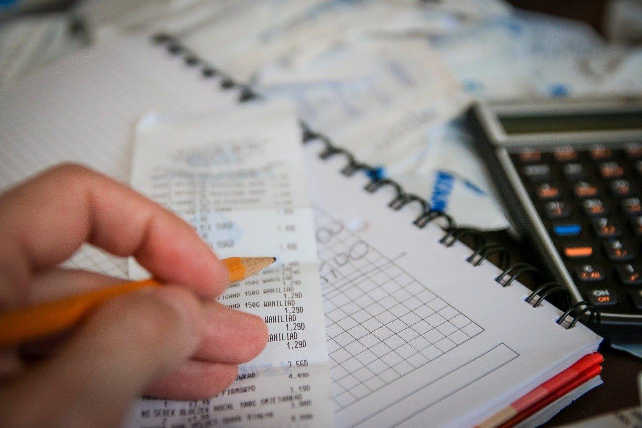 calculadora final de mes  // jarmoluk