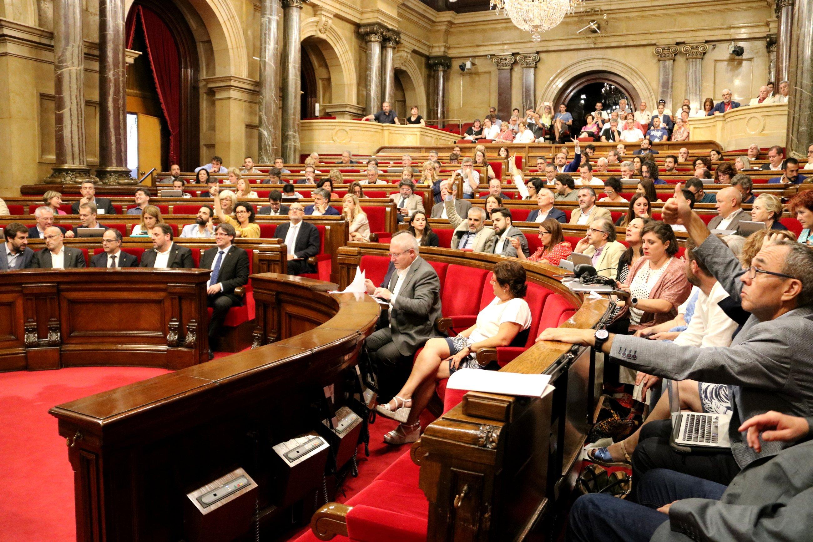 Parlament - ACN