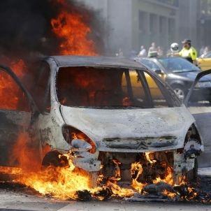 cotxe cremat diagonal sergi alcazar