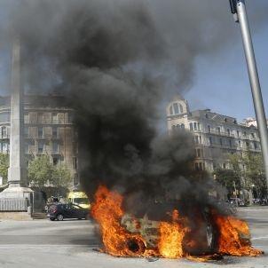 Cotxe incendi barcelona - Sergi Alcàzar