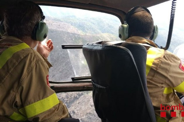 Bomberos helicopter incendio Tivenys