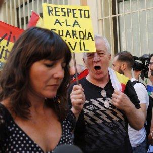 Una periodista de TV3, escridassada pels unionistes / Sergi Alcàzar