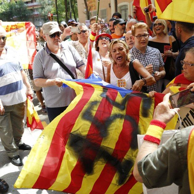 Manifestacio Guardia Civil Estelada unionistes - Sergi Alcàzar