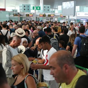 Cues El Prat aeroport   ACN
