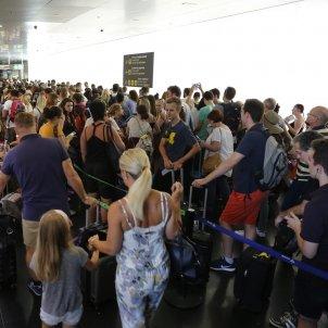 Cues aeroport prat T2 - Sergi Alcàzar