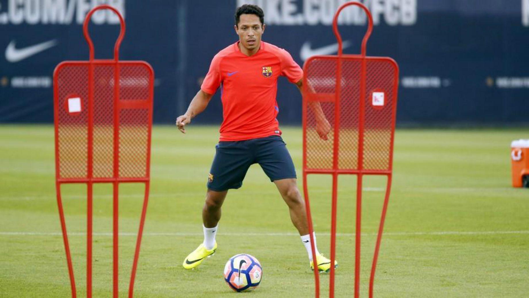 Adriano Correia entrenament 2016 - FCB