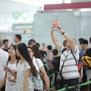 mobil cua prat vaga aeroport sergi alcazar
