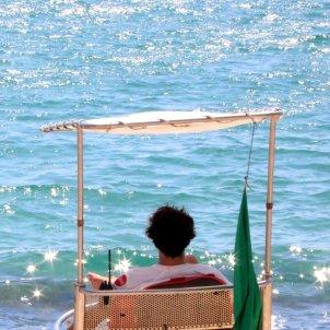 Una platja vigilada per un socorrista / ACN