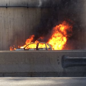 foc cotxe ronda litoral