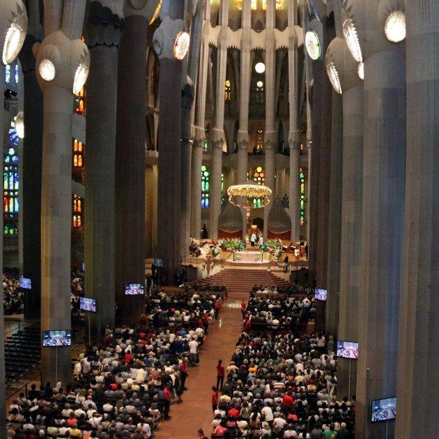 Sagrada Familia Missa Acn