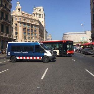 Mossos plaça catalunya manifestació Iu Forn