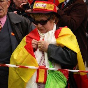 senyora bandera espanyola acn