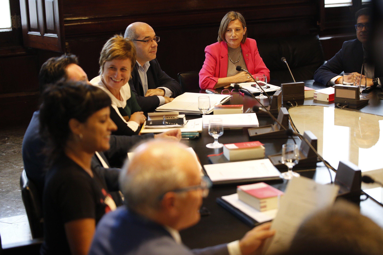 Mesa del parlament for Mesa parlament