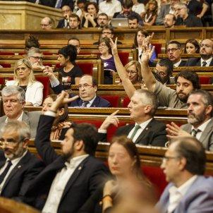 Oposicio enfadada llei referendum parlament   Sergi Alcàzar