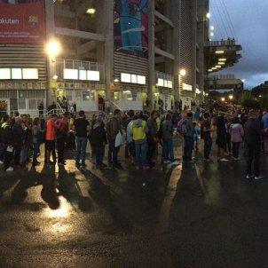 Recollida firmes vot moció de censura Barça Bernat Aguilar