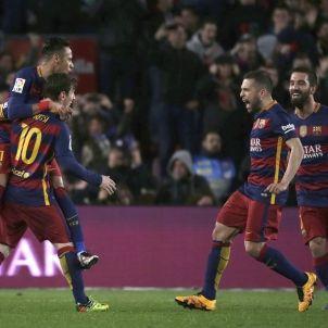 El Barça celebrant un gol contra el Sevilla / Efe