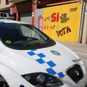 policia local mataro cartell si referendum - acn