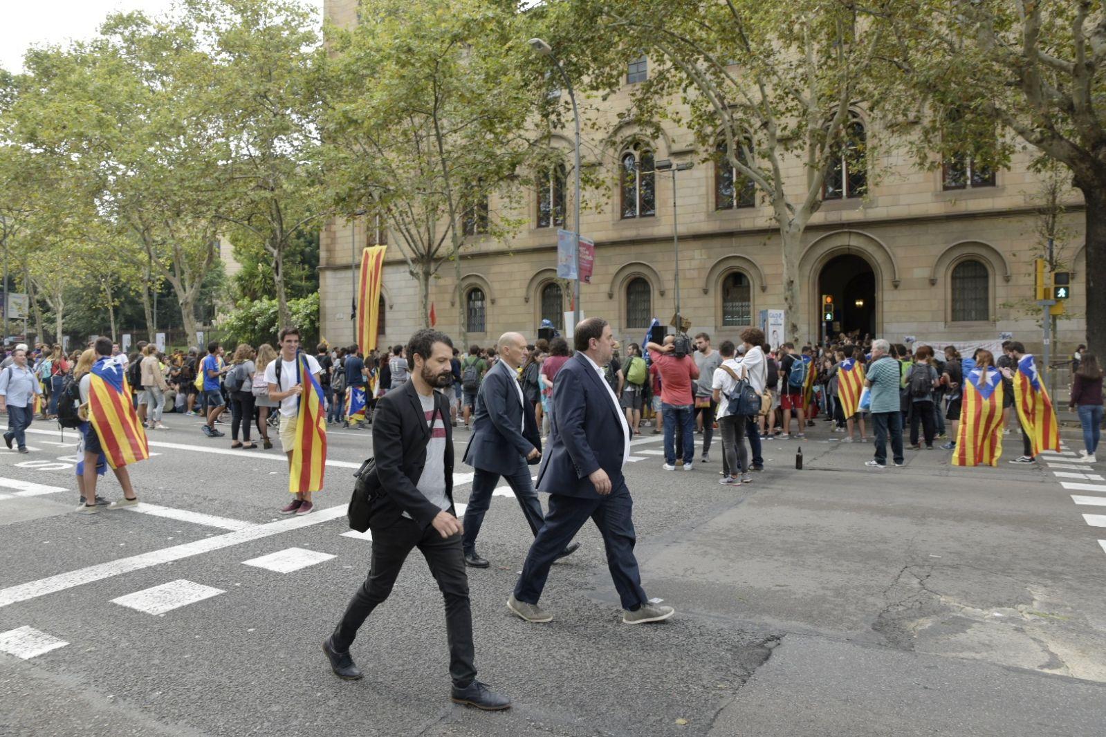 Oriol Junqueras a la concentració de plaça Universitat / Laura Gómez