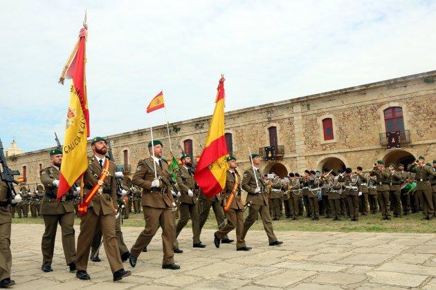 Más de 300 personas juran bandera en un acto militar en Figueres