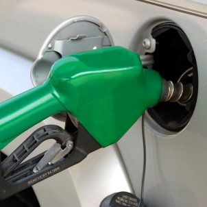 pumping gas 1631634 960 720