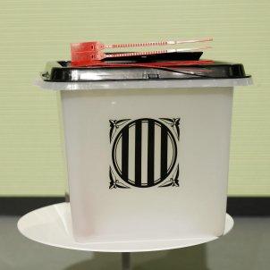 urna referèndum EFE