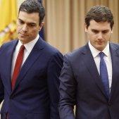 Sánchez i Rivera firmen l'acord de legislatura / EFE