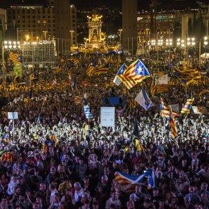 Acte final campanya referendum independencia papereta  Maleta Portbou - Sergi Alcàzar