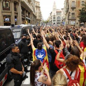 mani estudiants prefectura policia   Sergi Alcàzar