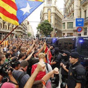 concentracio policia nacional via laietana - sergi alcazar