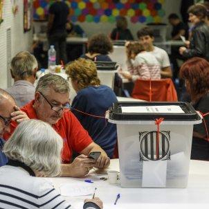 Mesa electoral referendum 1 O - Sergi Alcazar